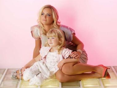 MUM & DAUGHTER MAKEOVER & PHOTOSHOOT