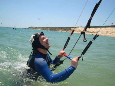 11% OFF - KITESURFING TWO DAY COURSE IN CORNWALL