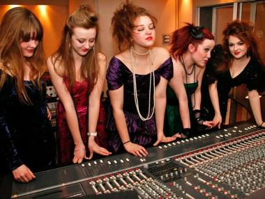 RECORDING STUDIO HEN PARTY EXPERIENCE